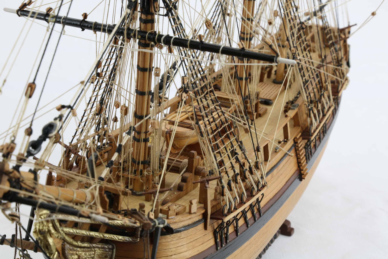 Close-up photos of ship model HMS Bounty of 1784