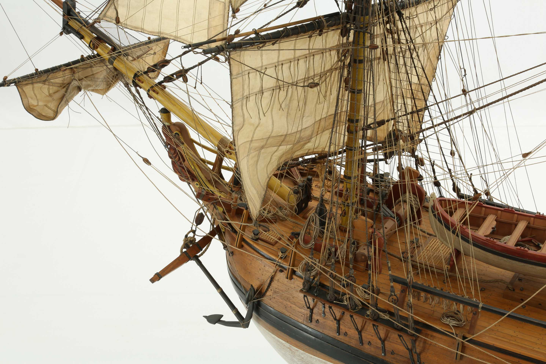 Photos ship model English HMS Bounty of 1784, close-up