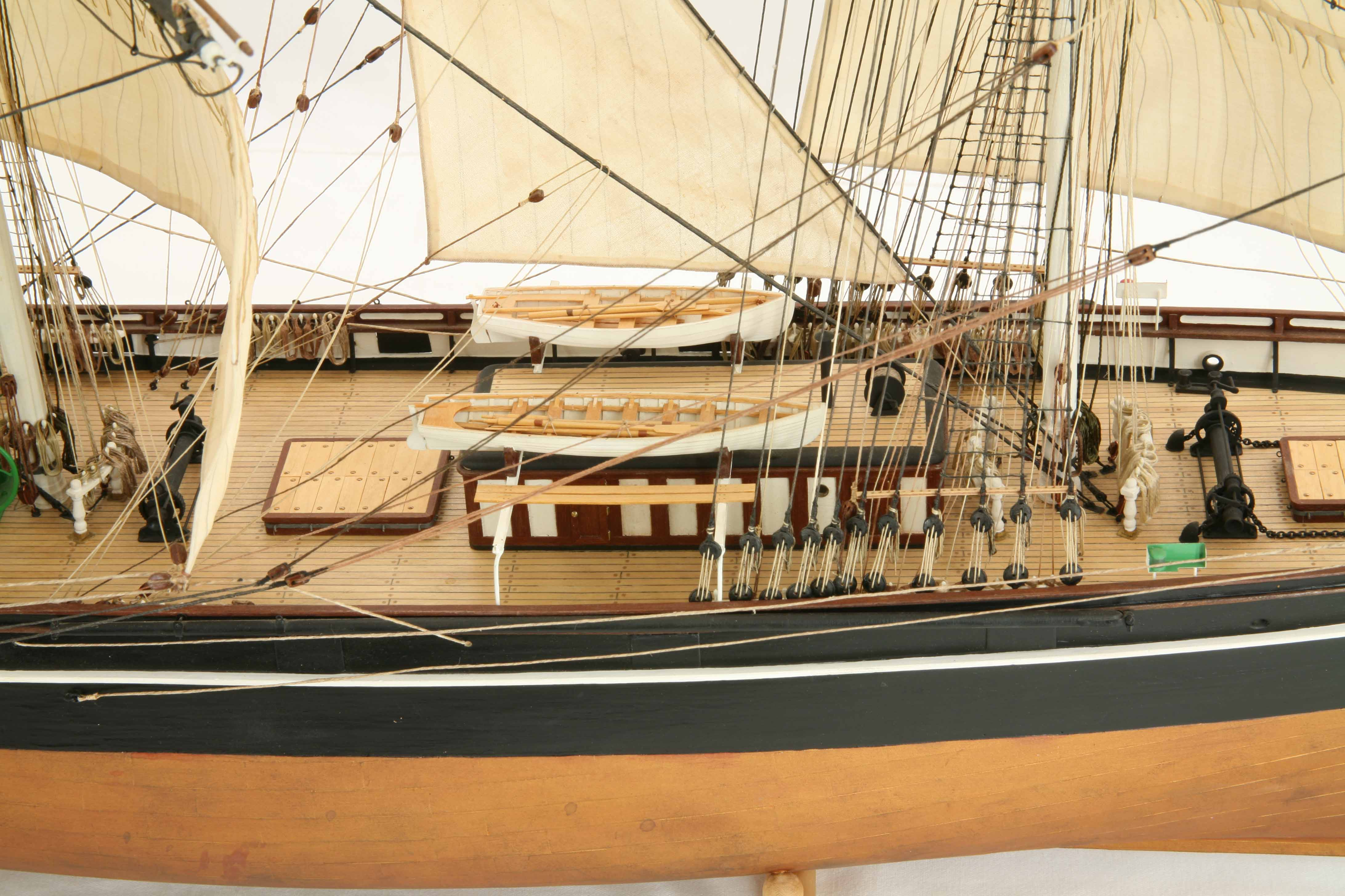 Photos ship model clipper Cutty Sark, close views