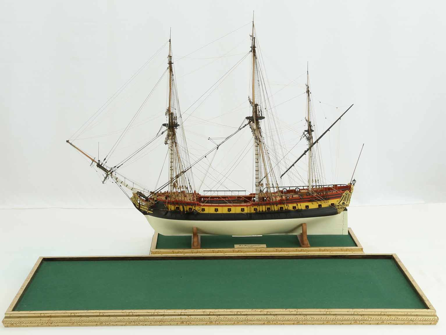 Stands Of Ship Model French Frigate La Renomm 233 E Of 1744