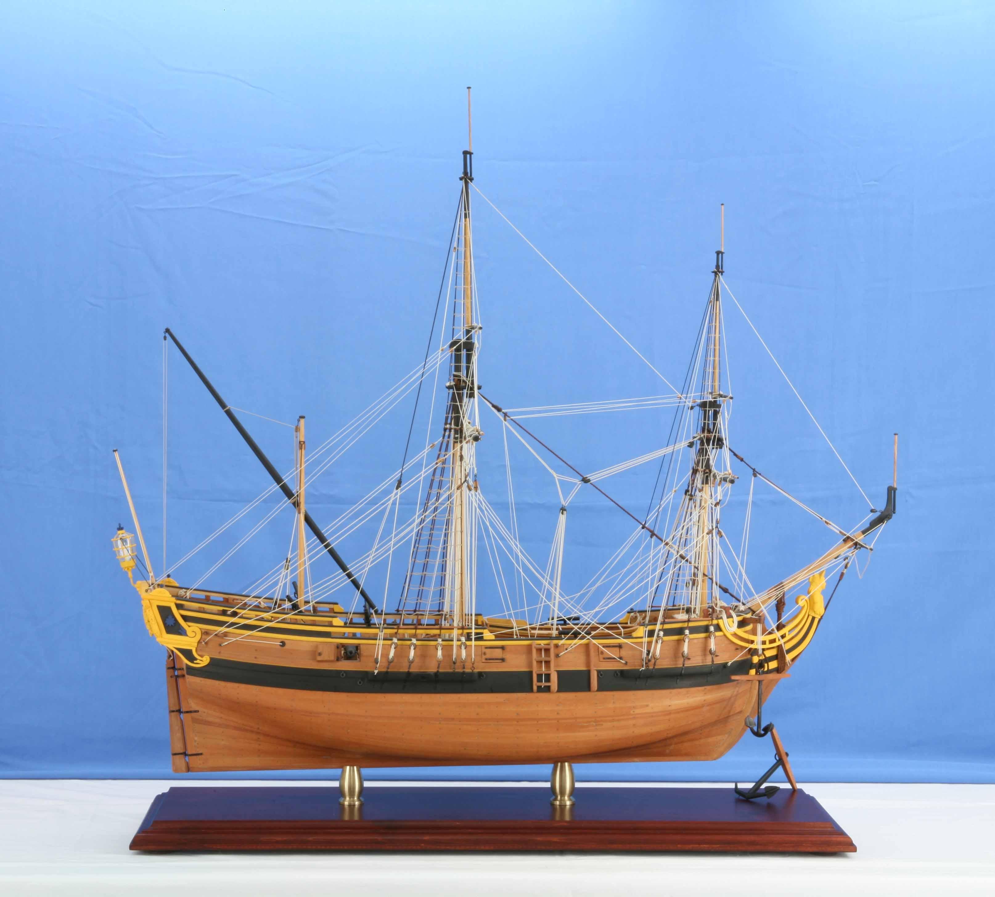 Photos ship model La Belle of 1686, views of entire ship
