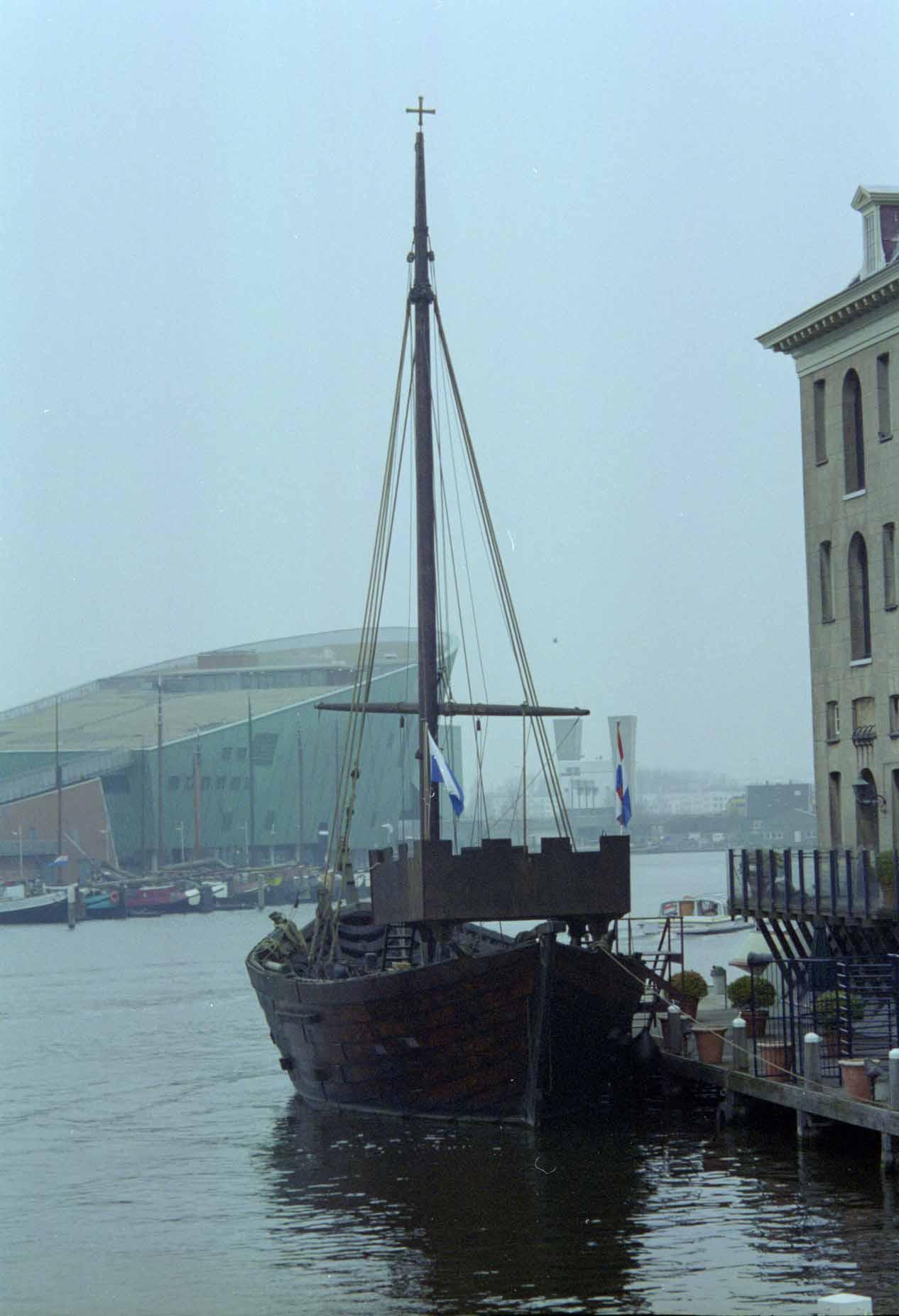 Holland And Holland >> Photos replica cog ship of Kampen, Holland