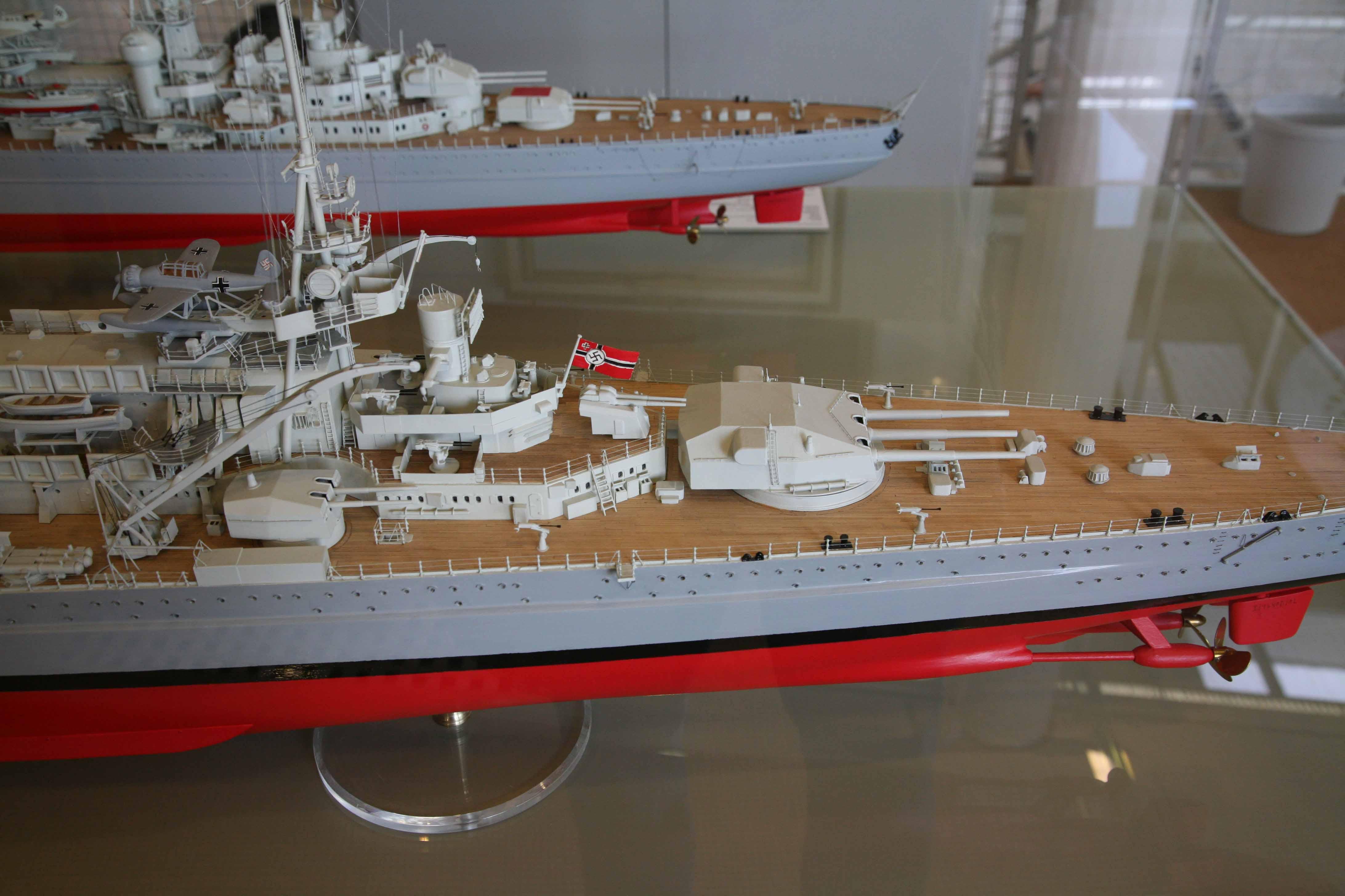 Photos of model German battleship Scharnhorst of 1939