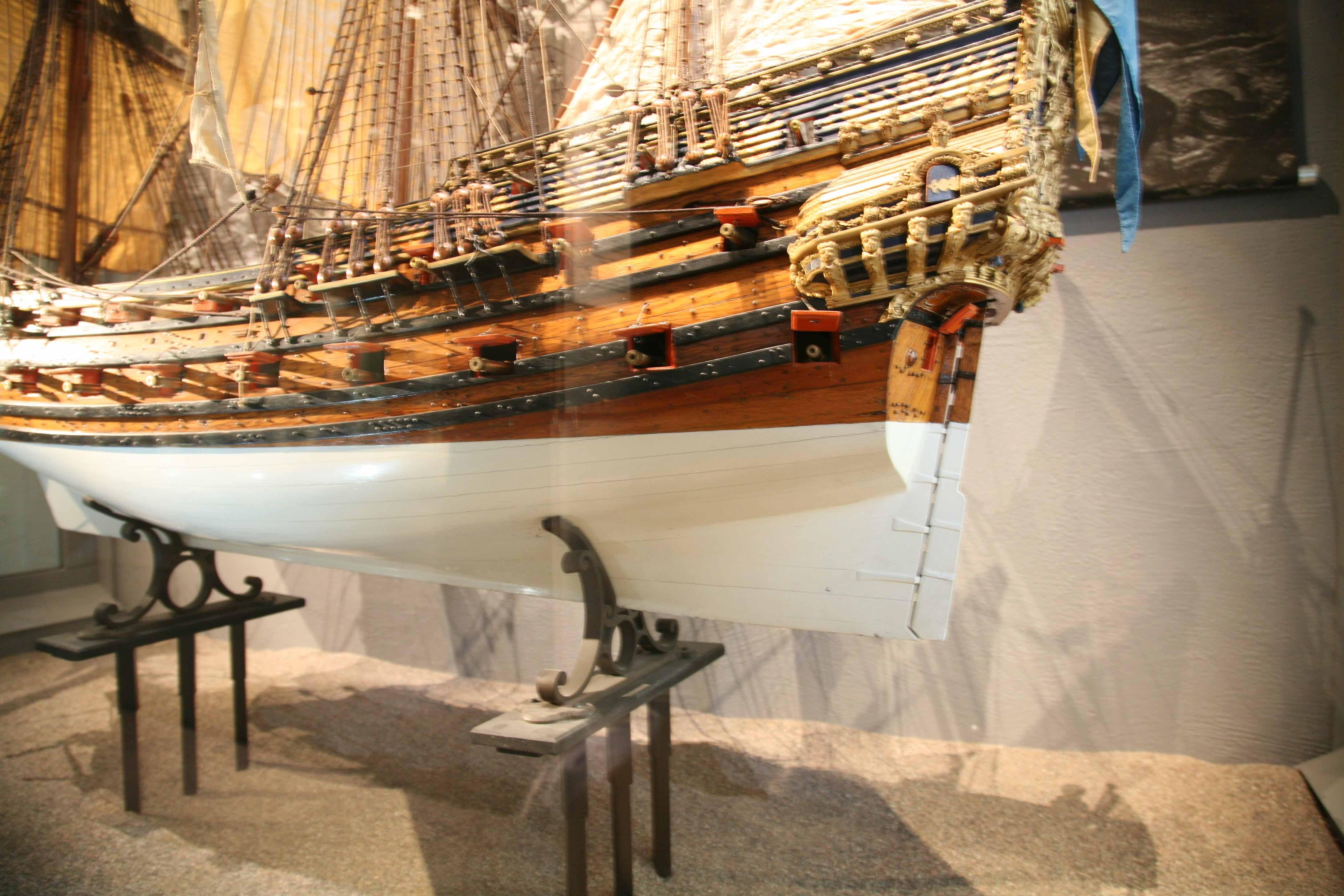 Photos Of 17th Century Two Decker Ship Model