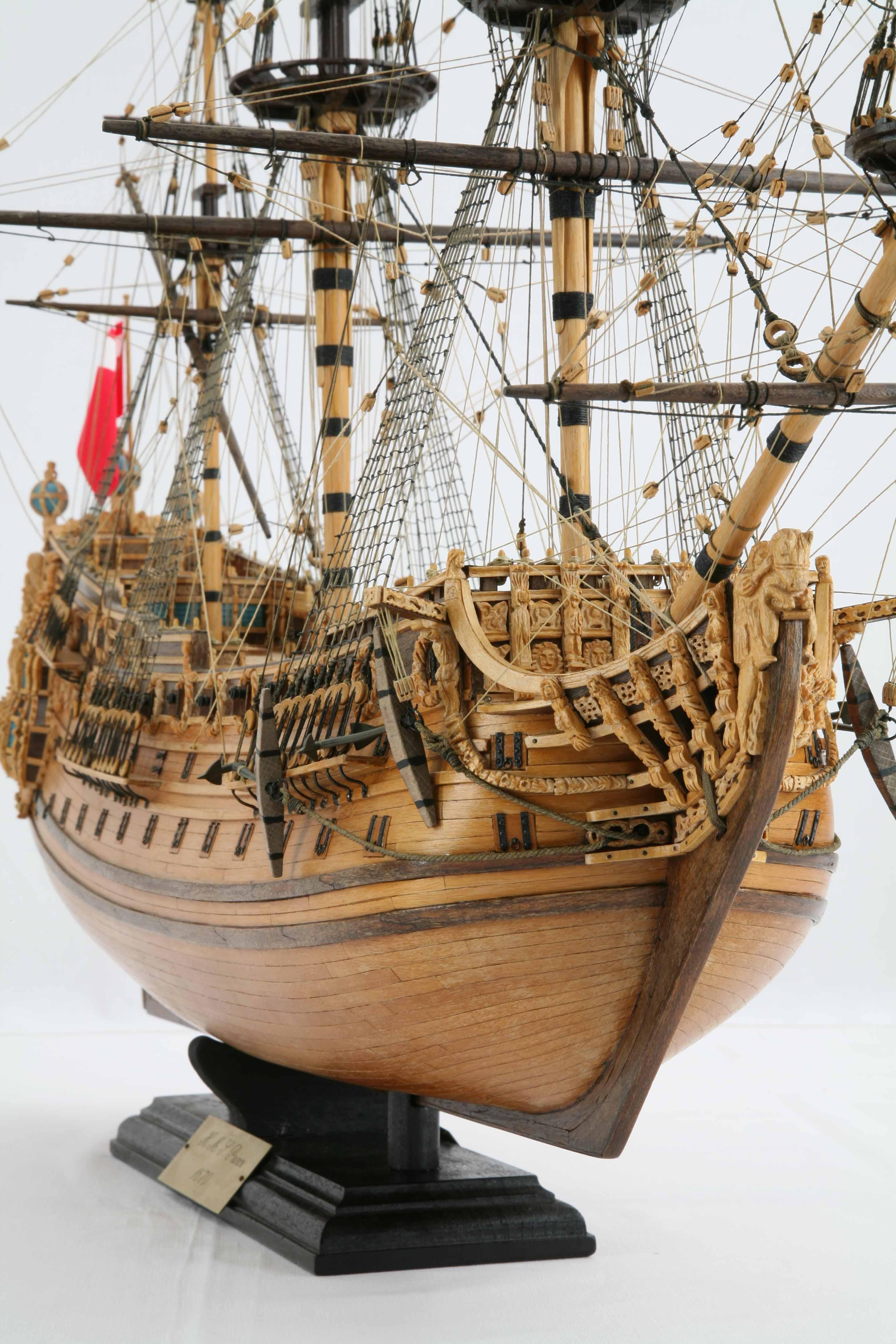 Close-up photos of ship model H.M.S. Prince of 1670