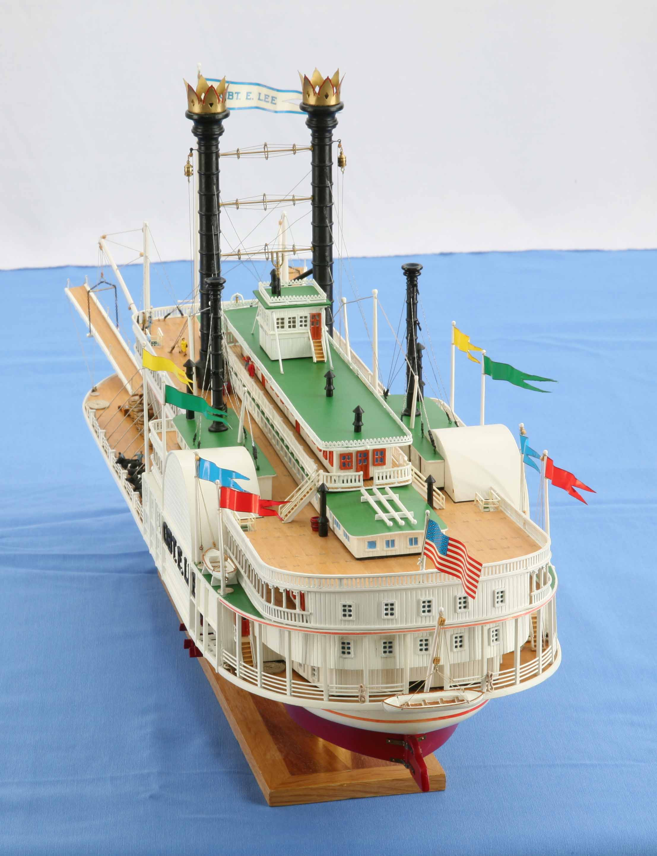 Ship Model Mississippi Steamboat Robert Lee