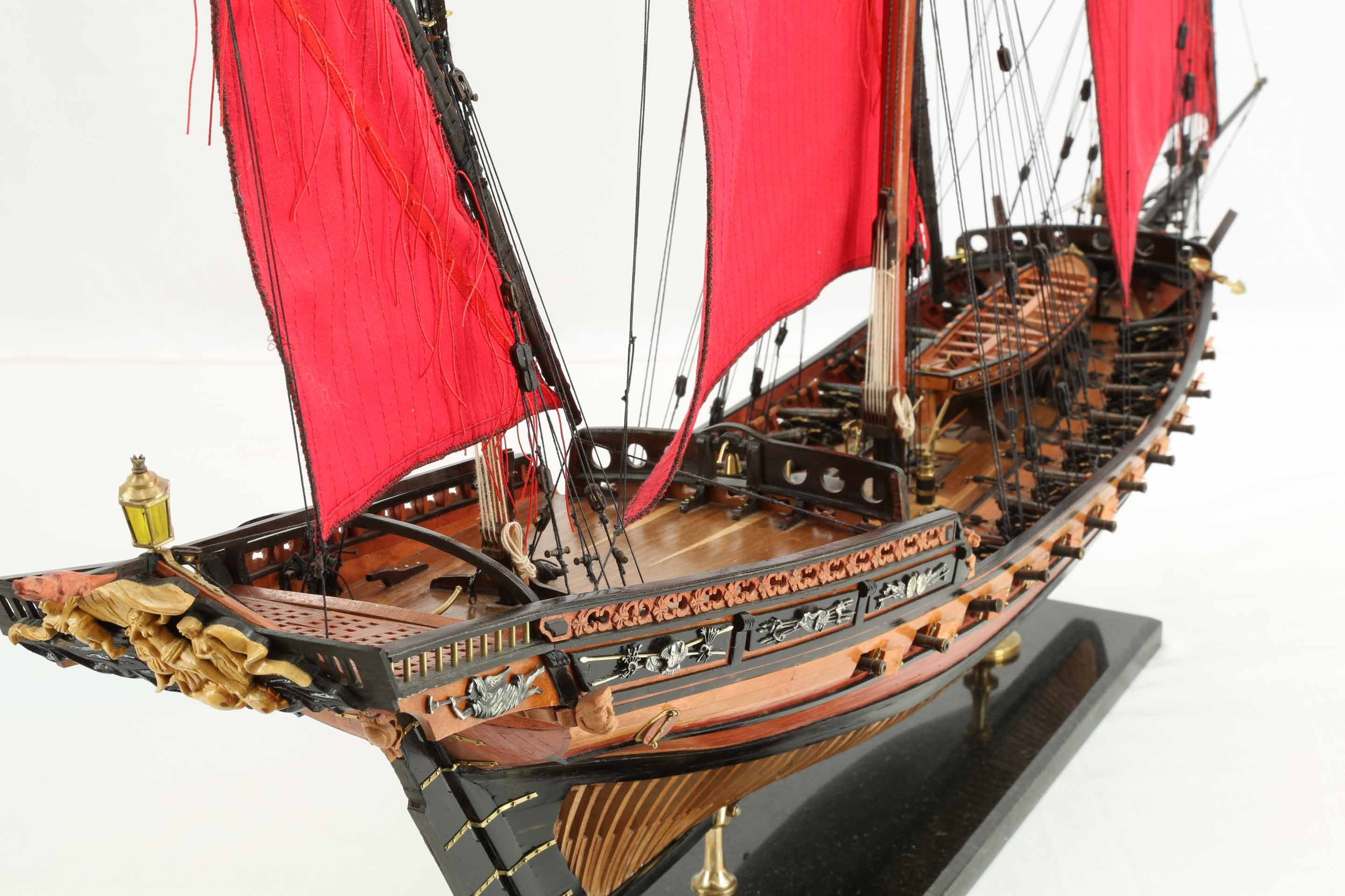 Photos ship model French Chebec Le Requin of 1751, details