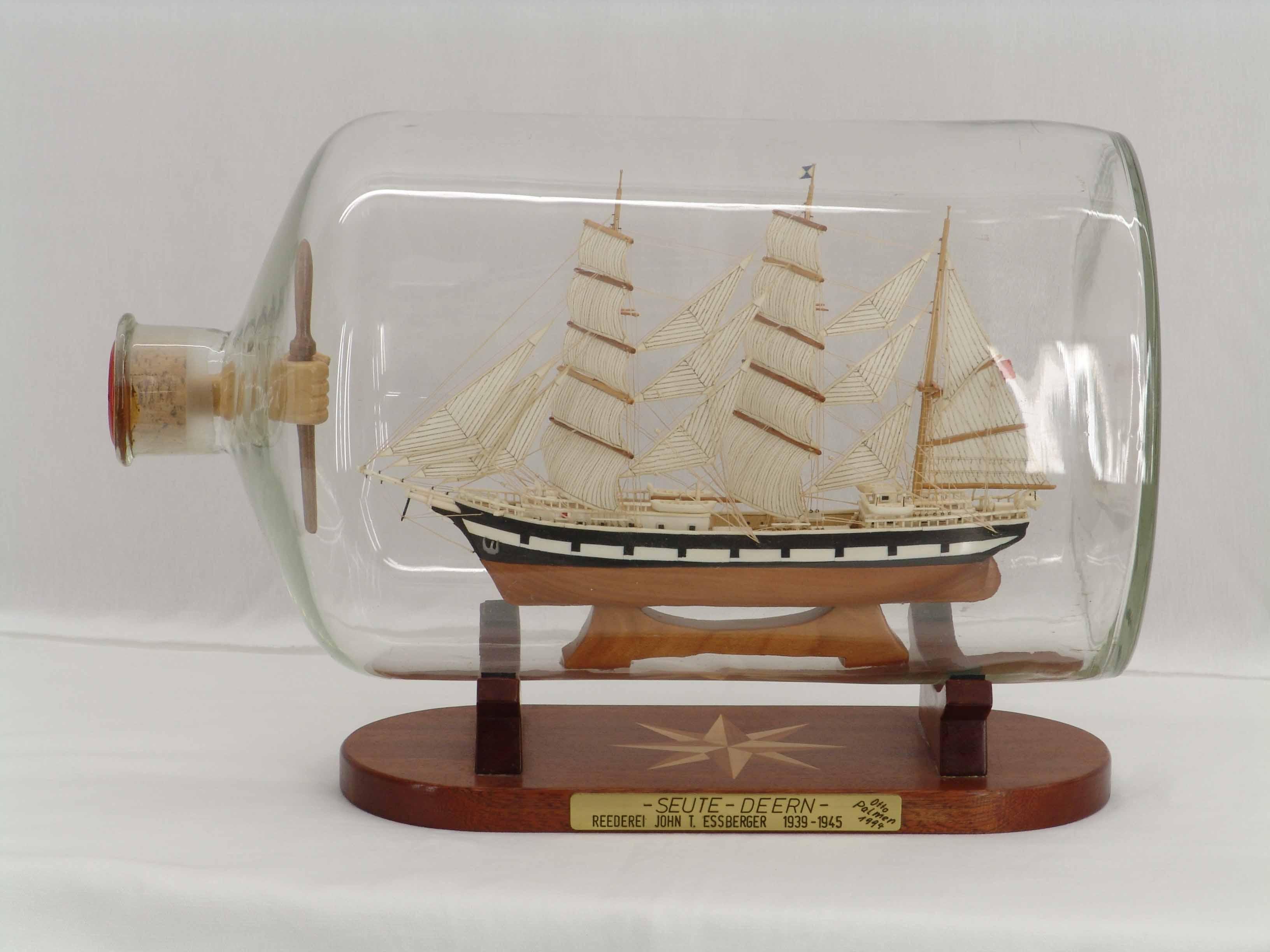 thuyền trong chai