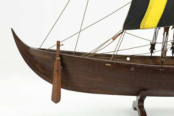 Photos of viking ship model skuldelev 3 close up views of - What side is port and starboard on a boat ...