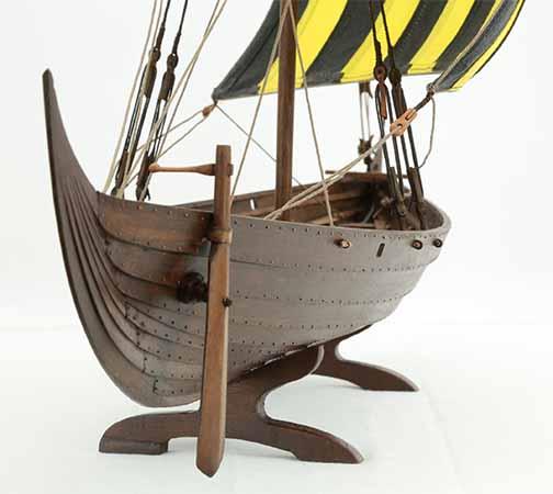 Side By Side >> Photos of Viking ship model Skuldelev 3, close-up views of details