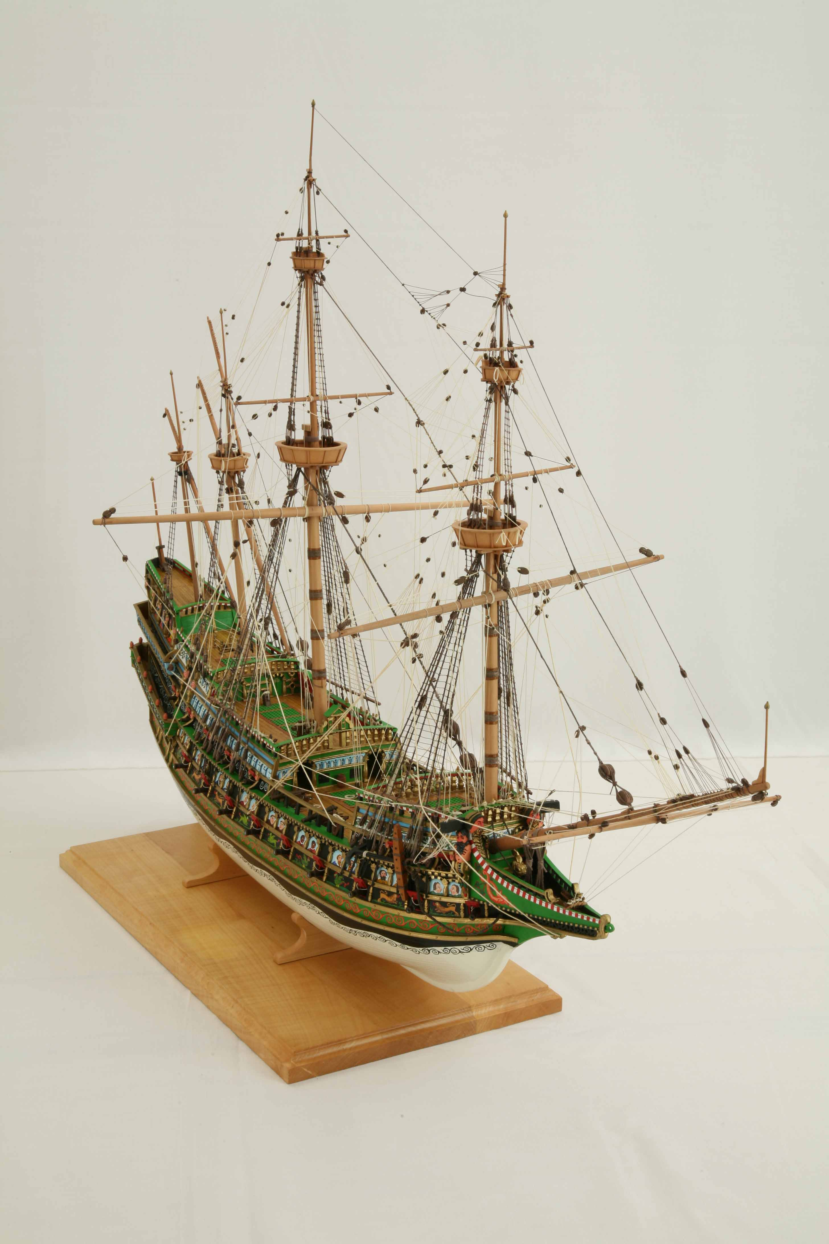 Photos of ship model galleon of 1610