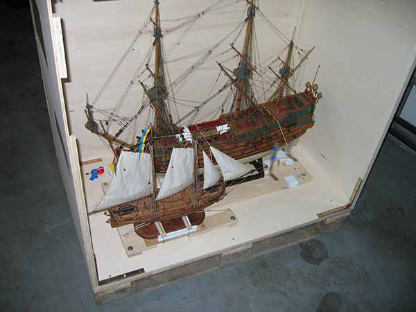 Transport box with two ship models
