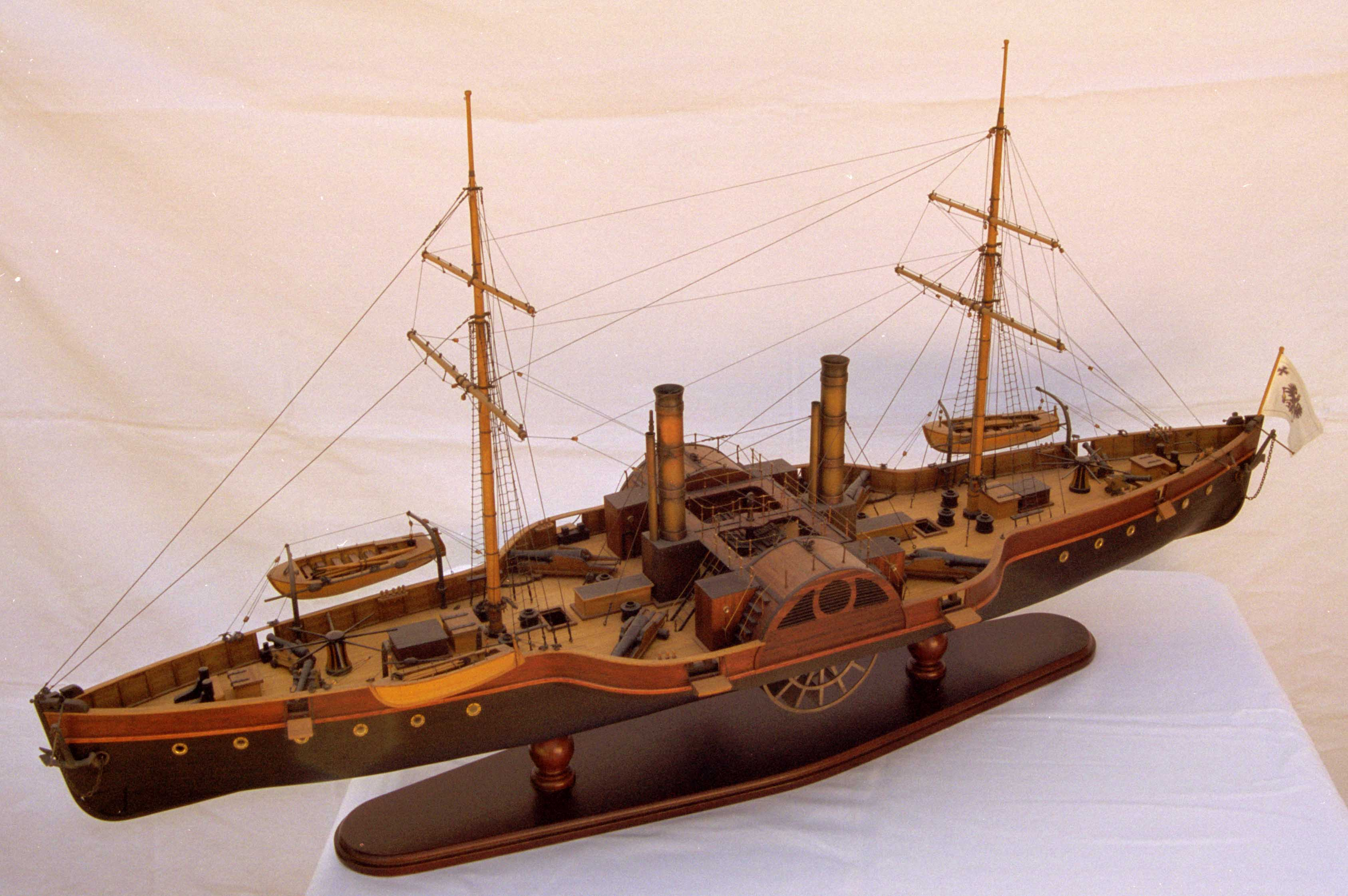 Model ship Radaviso SALAMANDER