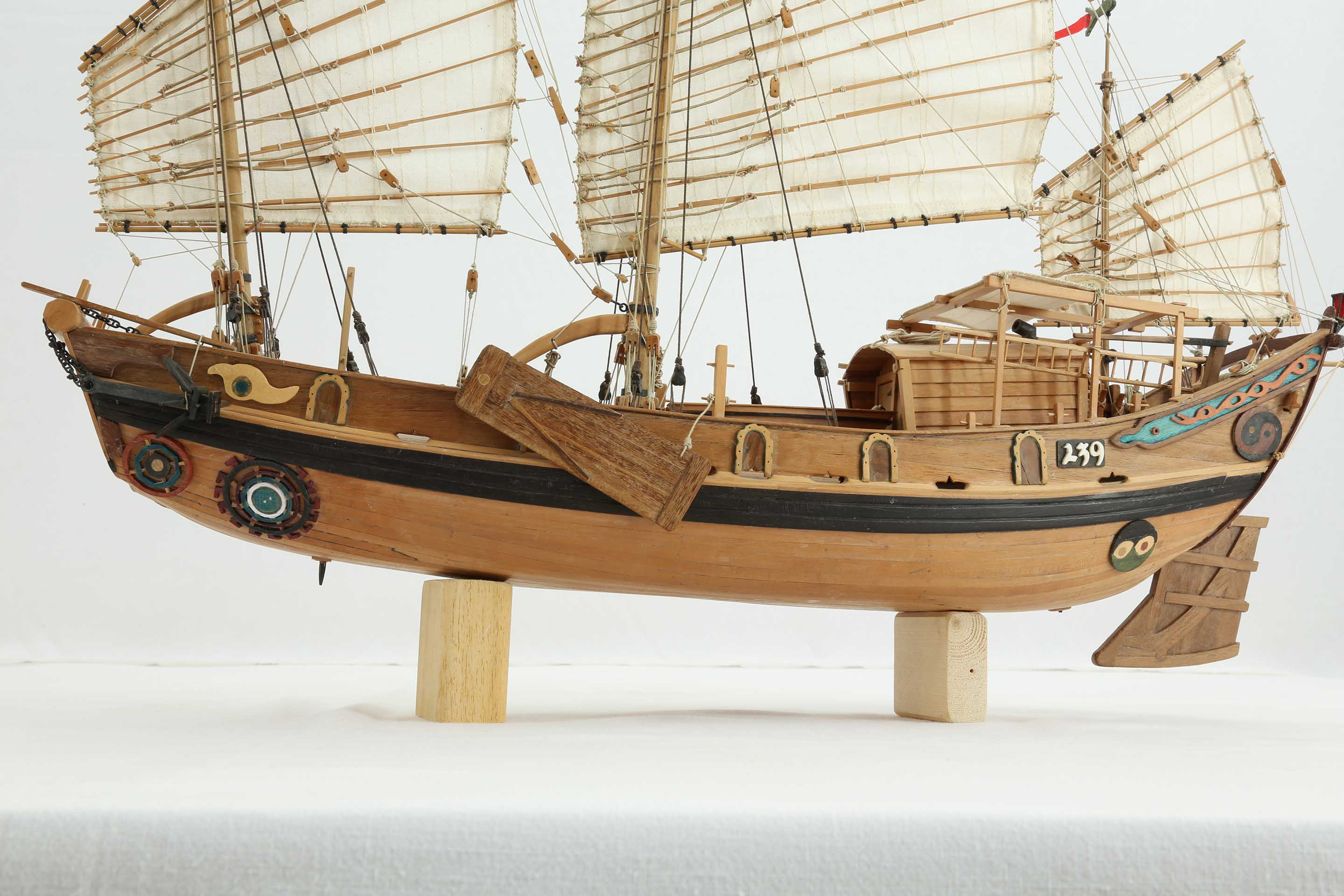 Ship model Chinese river junk of 19th century
